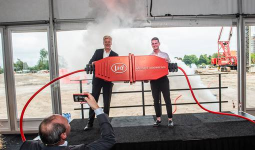 Lely slaat 1000e heipaal nieuwbouw Lely Campus fase 2