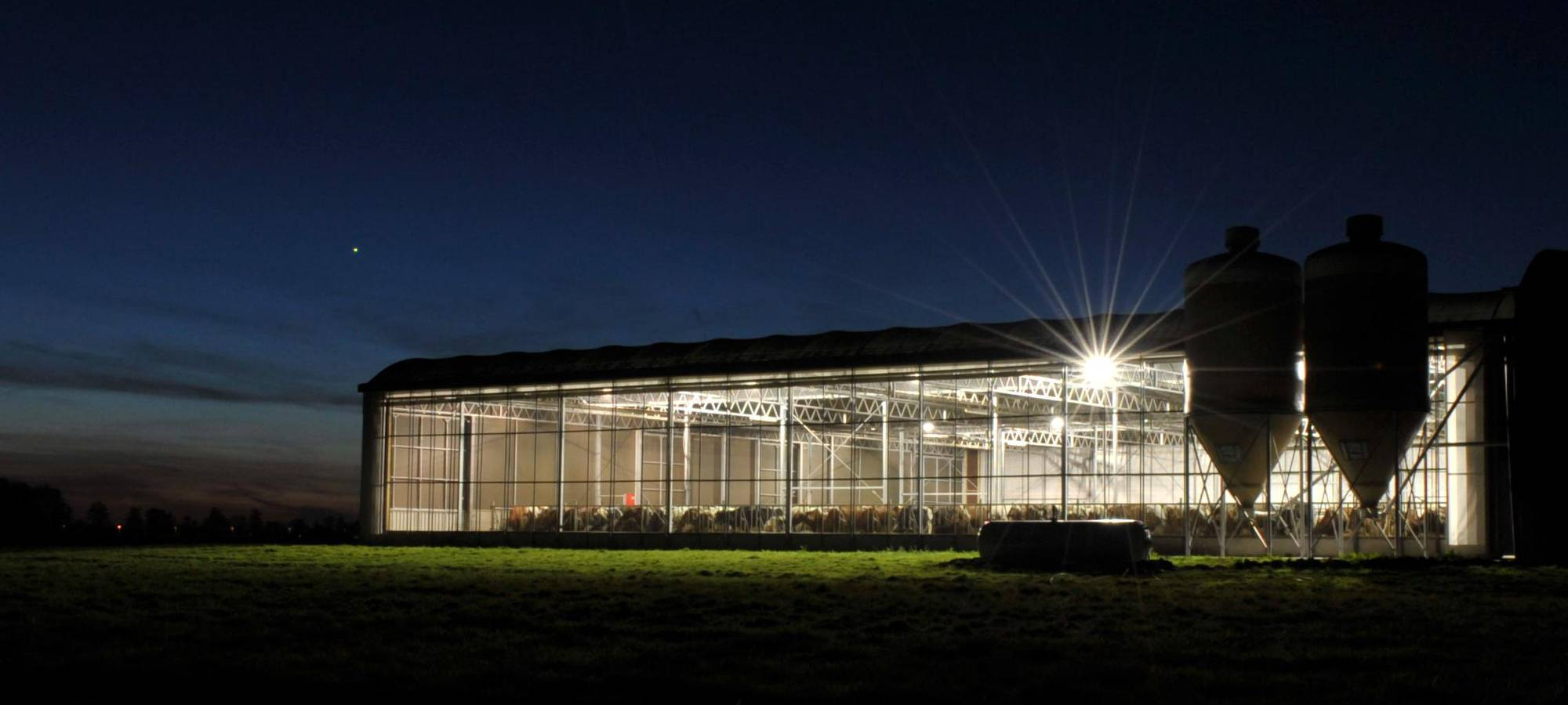 1e8045db5c Lely expands their barn lighting system with LED lights - Lely