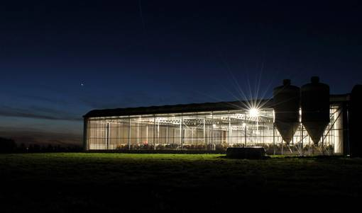 Lely expands their barn lighting system with LED lights