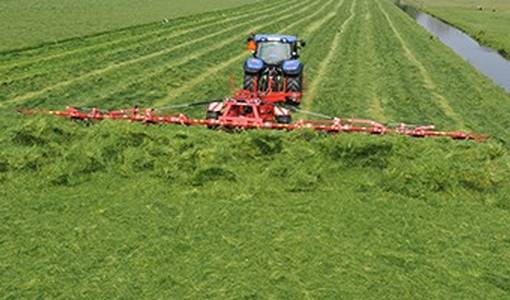 The 100,000th Lely Lotus Tedder marks a milestone in grass harvesting
